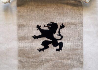 Bolsita león negro