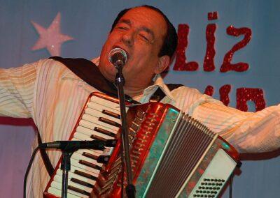 Mejía Godoy, Carlos (1943)